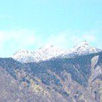 山梨◆八ヶ岳/白くなった八ヶ岳、初雪の知らせ【八ヶ岳スタッフ・日々の業務より】