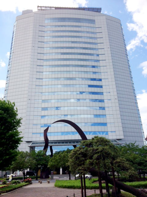 立派な庁舎の高崎市役所